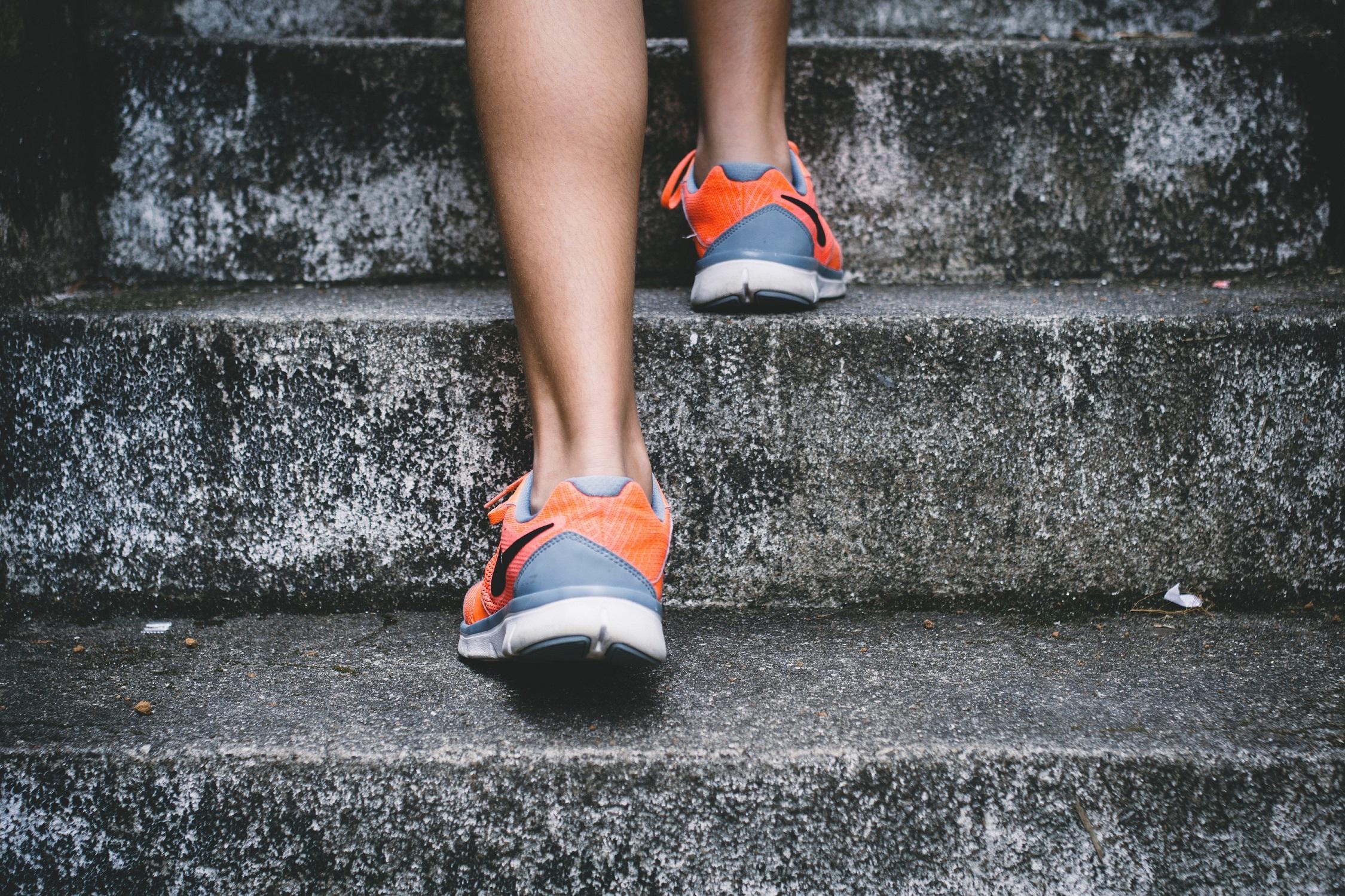 mentaal welzijn begint bij het aantrekken van je sportschoenen